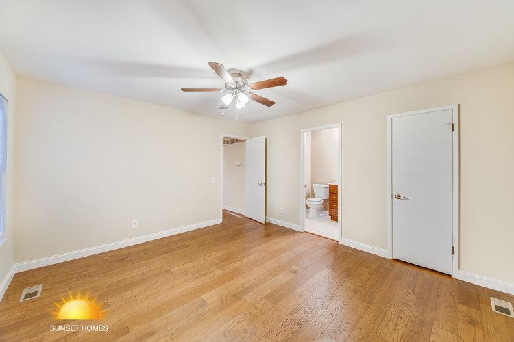 4 Bedrooms Bedrooms,2 BathroomsBathrooms,Home,1077
