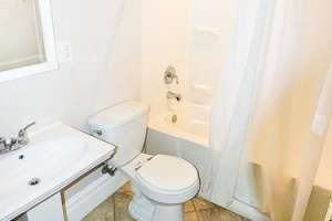 2 Bedrooms Bedrooms, ,1 BathroomBathrooms,Home,For Sale,1092