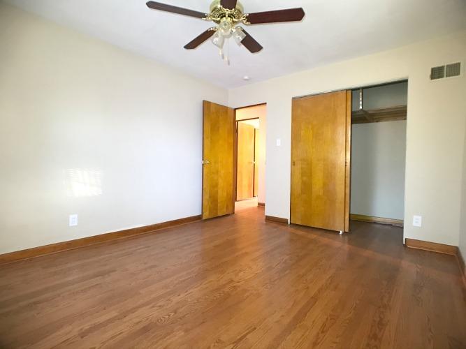 4 Bedrooms Bedrooms,3 BathroomsBathrooms,Home,1009