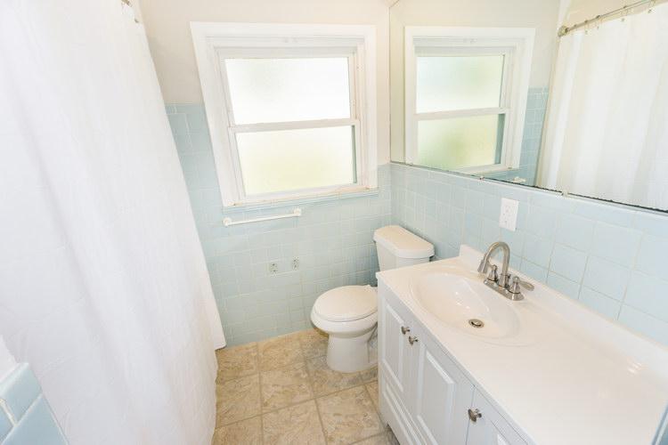 4 Bedrooms Bedrooms,1.5 BathroomsBathrooms,Home,1026