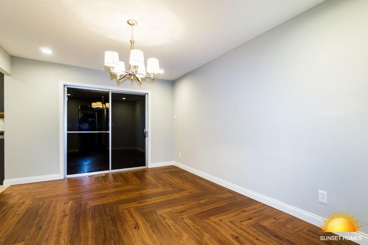 4 Bedrooms Bedrooms,2 BathroomsBathrooms,Home,1040
