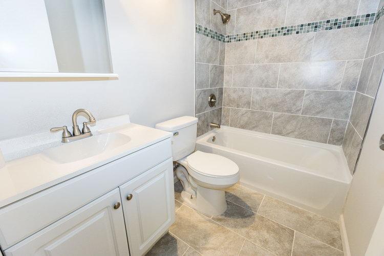 4 Bedrooms Bedrooms,2 BathroomsBathrooms,Home,1044
