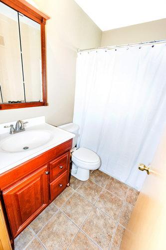 3 Bedrooms Bedrooms,1.5 BathroomsBathrooms,Home,1047