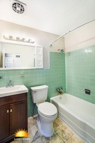 4 Bedrooms Bedrooms,2 BathroomsBathrooms,Home,1049
