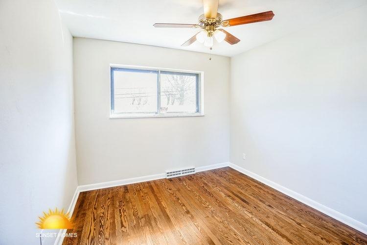 4 Bedrooms Bedrooms, ,2 BathroomsBathrooms,Home,For Sale,1049