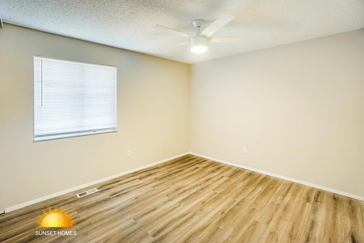 4 Bedrooms Bedrooms,2 BathroomsBathrooms,Home,1052