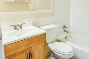 4 Bedrooms Bedrooms,2 BathroomsBathrooms,Home,1058