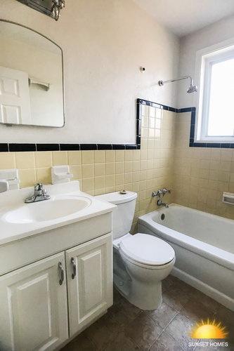 2 Bedrooms Bedrooms,1 BathroomBathrooms,Home,1060
