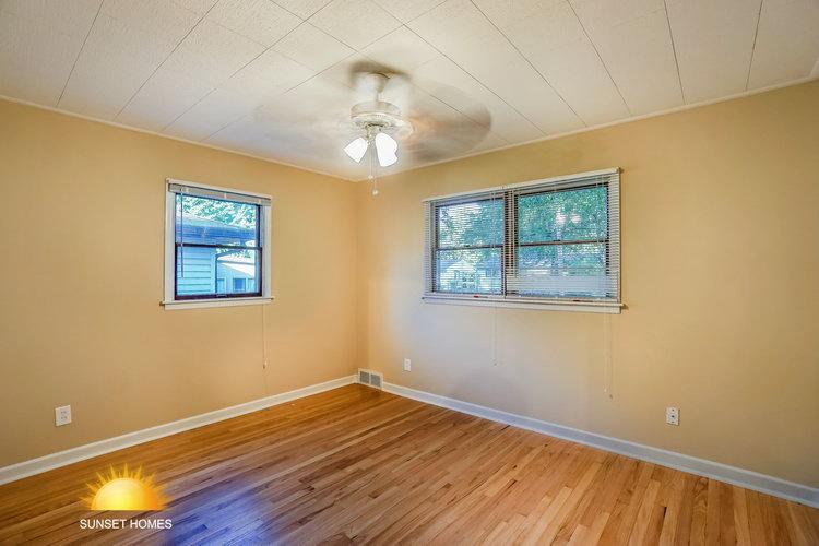 3 Bedrooms Bedrooms,2 BathroomsBathrooms,Home,1068