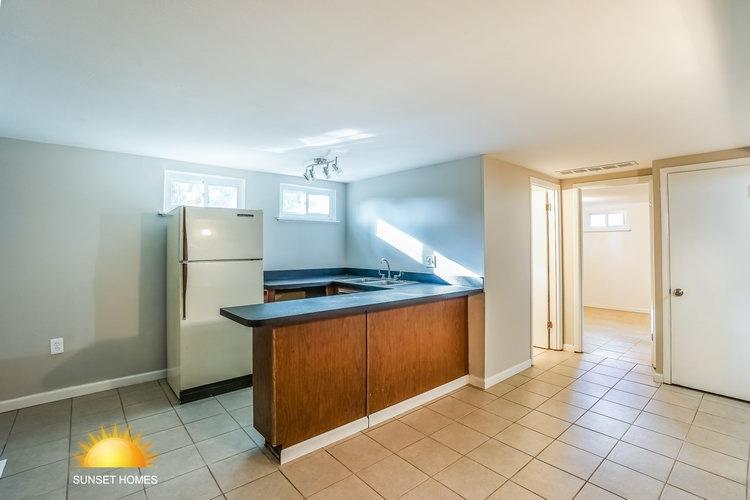 4 Bedrooms Bedrooms,2 BathroomsBathrooms,Home,1071